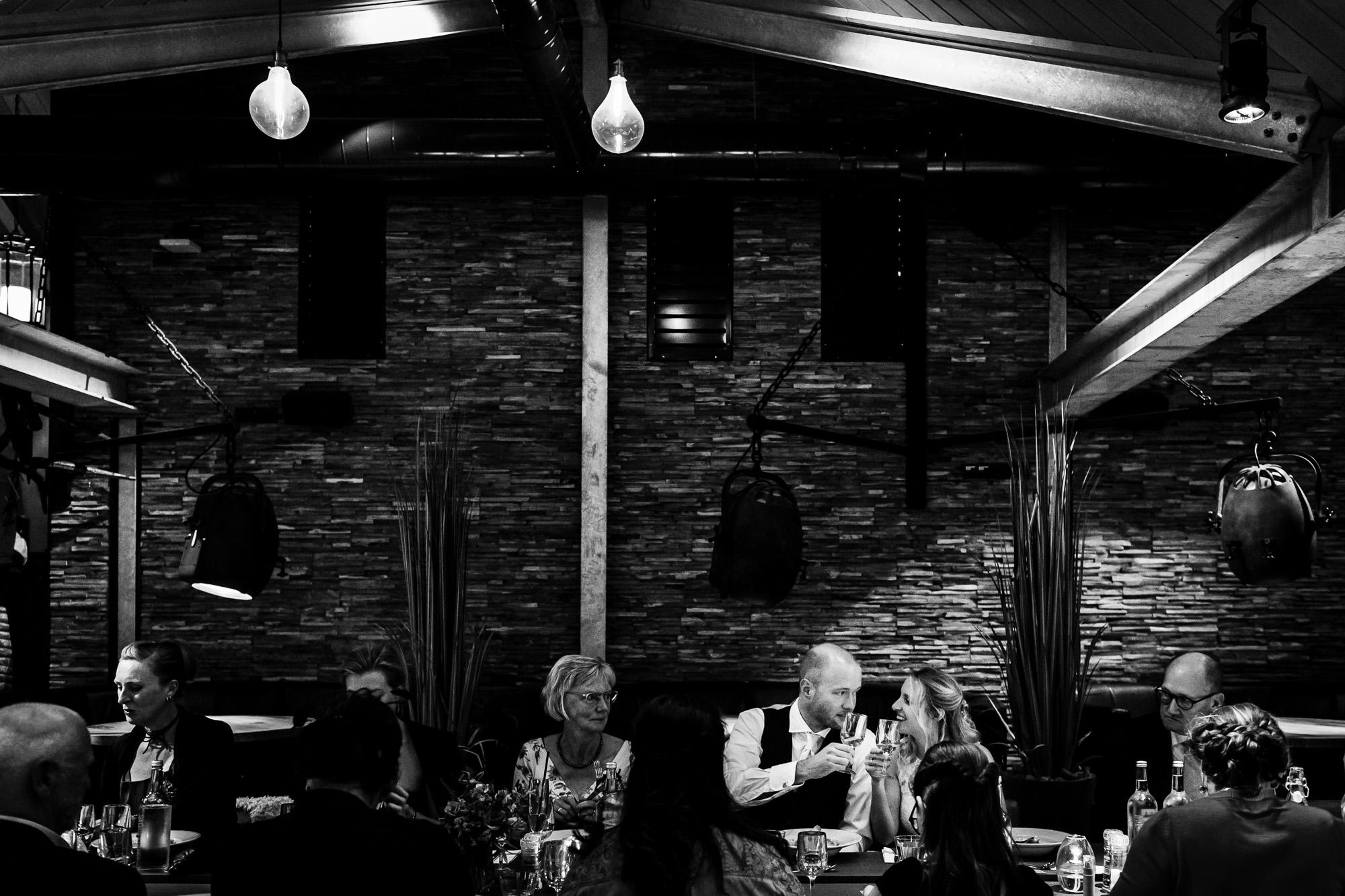 Trouwen op de wadden | Diner bruiloft | Badhuys Vlieland | Bruiloft Badhuys Vlieland