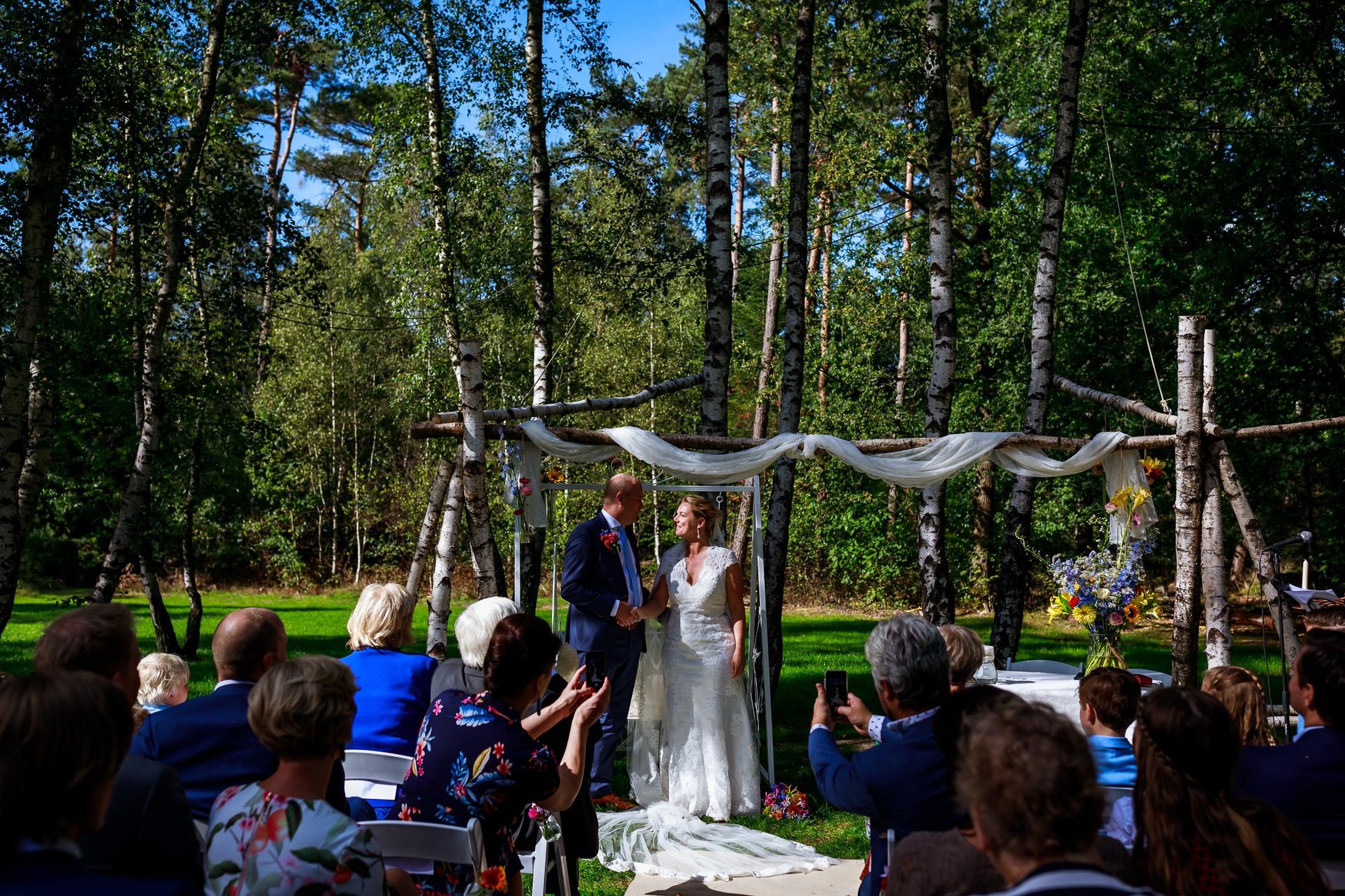 Mooiste trouwlocaties van Nederland | Trouwen bij Feel Good Tent Event | Trouwen in het bos | Trouwen in Lage Vuursche | Buiten trouwen| Buitenbruiloft