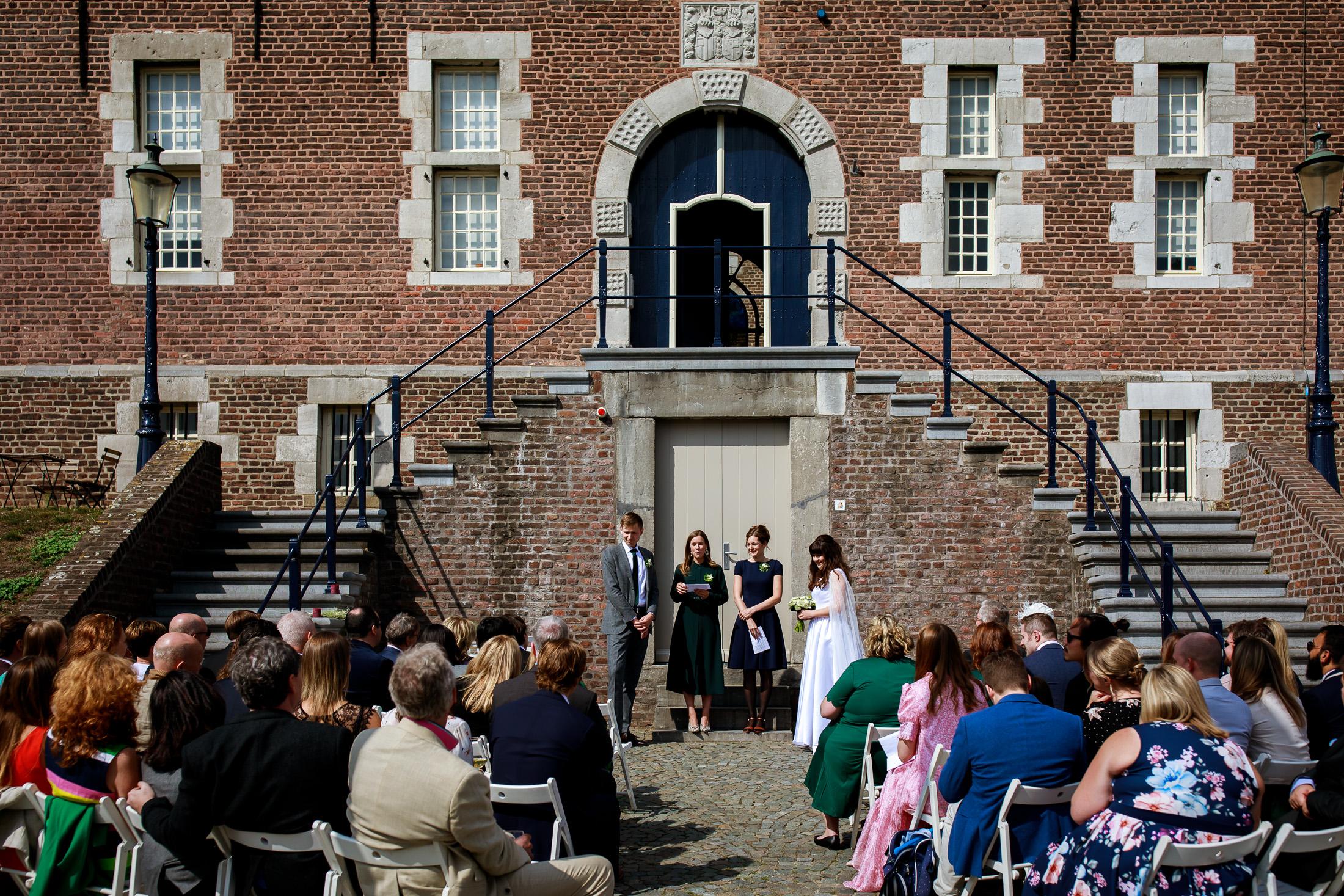 Trouwen bij Kasteel Limbricht   Trouwen in Limburg   Trouwceremonie